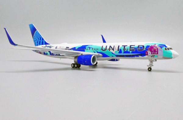 """Boeing 757-200 United Airlines """"Her Art Here-New York/New Jersey Livery"""" N14102 Scale 1/200"""