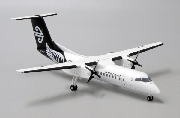 Bombardier Dash8-Q300 Air New Zealand Link ZK-NES Scale 1/200