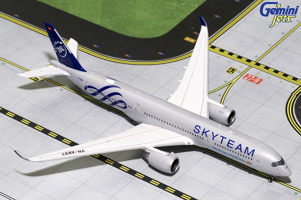 "Airbus A350-900 Vietnam Airlines ""Skyteam"" VN-A897 Scale 1/400"