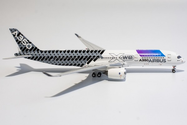 """Airbus A350-900 House Color """"Airspace Explorer"""" F-WWCF Scale 1/400"""