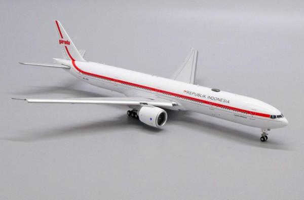 "Boeing 777-300ER Garuda Indonesia ""Republik Indonesia"" Flaps Down Version PK-GIG Scale 1/400"