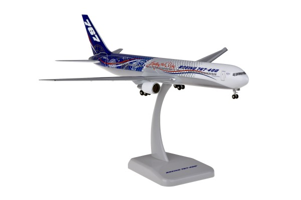 "Boeing 767-400 ""LEADING THE WAY"" Scale 1:200"