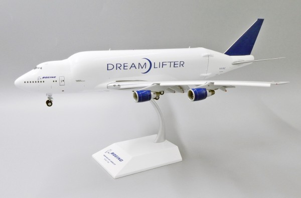 Boeing 747-400LCF House Color Flaps Down Version N747BC Scale 1/200
