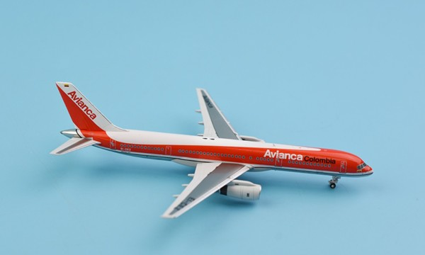 """Boeing 757-200 Avianca Airlines """"1990´s color"""" EI-CEY Scale 1/400"""