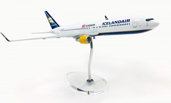 Boeing 767-300ER Icelandair/Schenker TF-ISP Scale 1:100