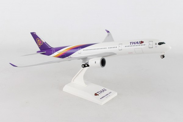 Airbus A350-900 Thai Airways Scale 1/200 w/Gear