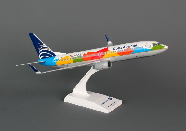 "Boeing 737-800 Copa Airlines ""Junio Livery"" Scale 1/130"