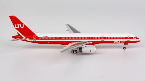 "Boeing 757-200 LTU ""white roof"" D-AMUV Scale 1/400"