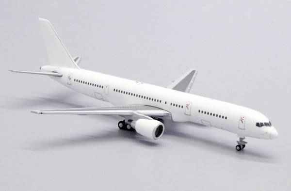 """Boeing 757-200 with PW Engines """"Blank"""" Scale 1/400"""