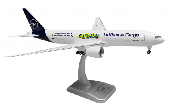 "Boeing 777F Lufthansa Cargo New Livery ""Cargo Human Care"" D-ALFI Scale 1:200 w/G"