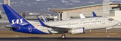 Boeing 737-700 SAS Scandinavian Airlines SE-RJX Scale 1/200