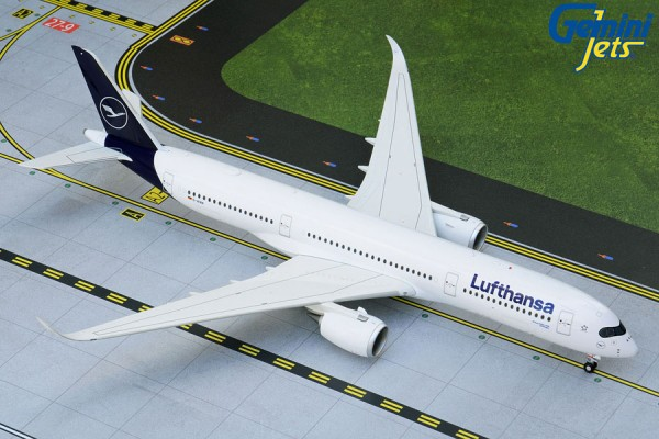 Airbus A350-900 Lufthansa NEW LIVERY D-AIXN Scale 1:200