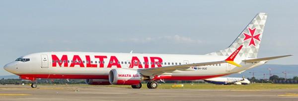 Boeing 737-8 MAX200 Malta Air 9H-VUC Scale 1/400