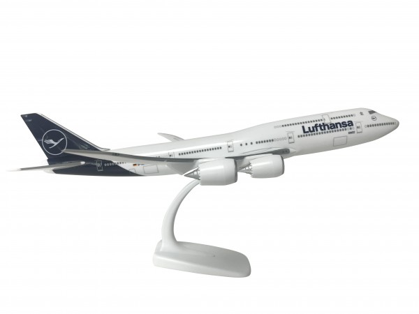 Boeing 747-8 Lufthansa New Livery D-ABYA Scale 1:200