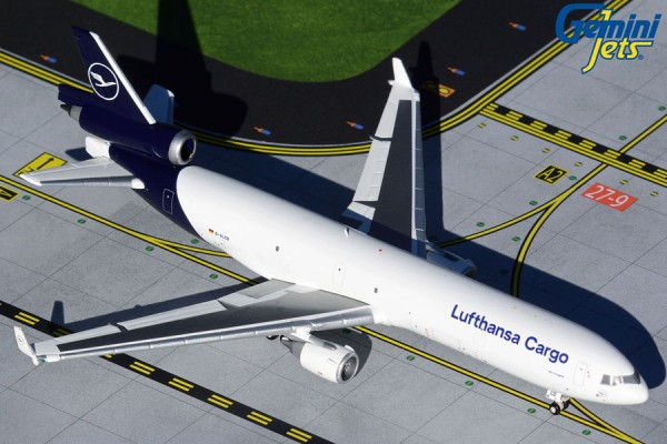 McDonnell Douglas MD-11F Lufthansa Cargo New Livery D-ALCD Scale 1/400 +++