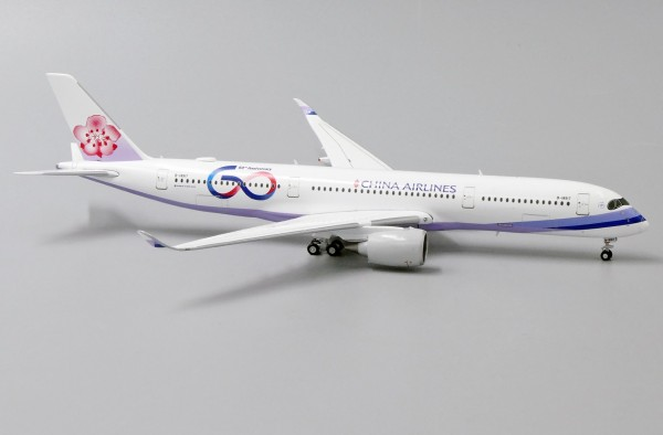 """Airbus A350-900XWB China Airlines """"60th Anniversary"""" B-18917 Scale 1/400"""