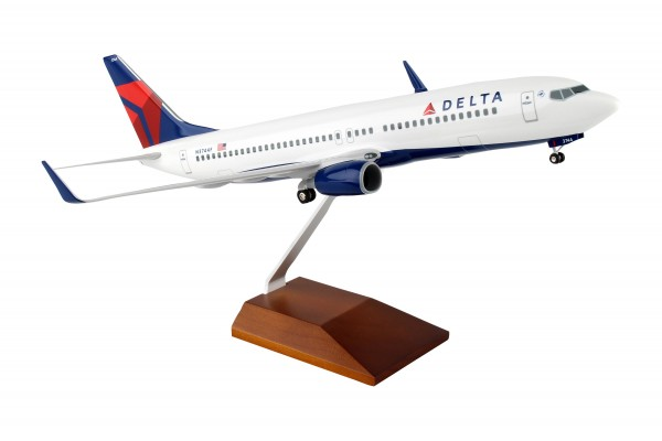 Boeing 737-800 Delta Airlines Scale 1/100 w/Gear
