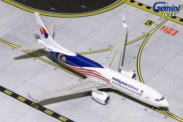 "Boeing 737-800 Malaysia Airlines ""Negaraku"" Scale 1/400"