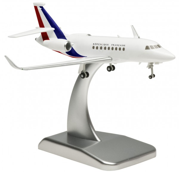 Dassault Falcon 2000LX French Air Force (die cast) Scale 1:200