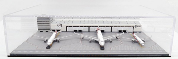 Package-Warehouse and Office Building Set SF Airlines Scale 1/400 Limited Edition #