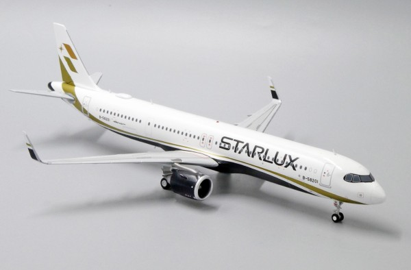 Airbus A321neo Starlux B-58201 Scale 1/200
