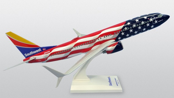 """Boeing 737-800 Southwest Airlines """"Freedom One"""" N500WR Scale 1/130"""