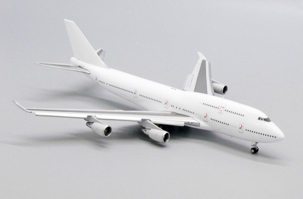 """Boeing 747-400 with GE Engine """"Blank"""" Flaps Down Version Scale 1/400"""