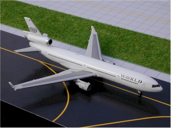 McDonnell Douglas MD-11 World Airways Scale 1/400