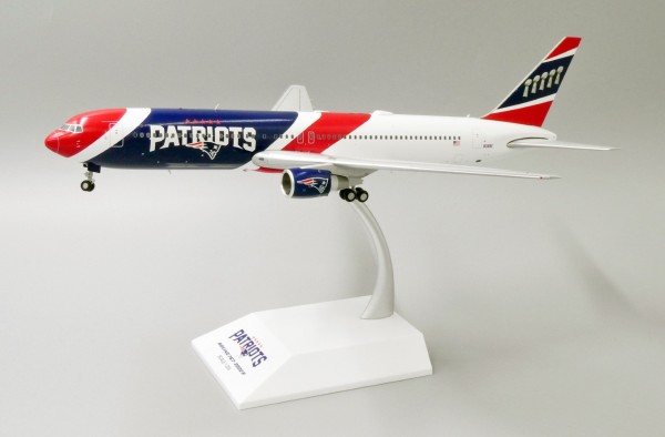Boeing 767-300ER New England Patriots N36NE Scale 1/200