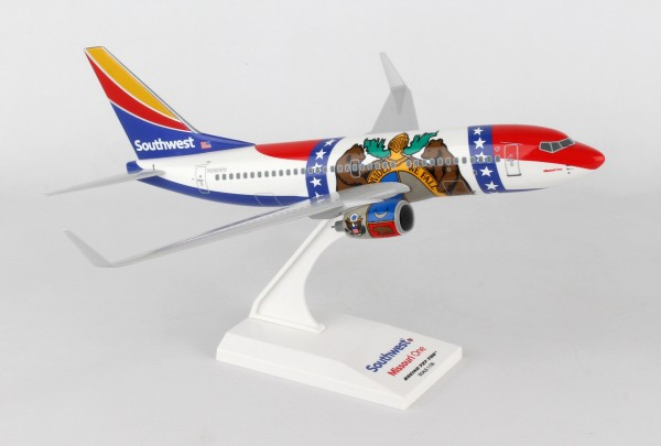 """Boeing 737-700 Southwest Airlines """"Missouri One"""" Scale 1/130"""