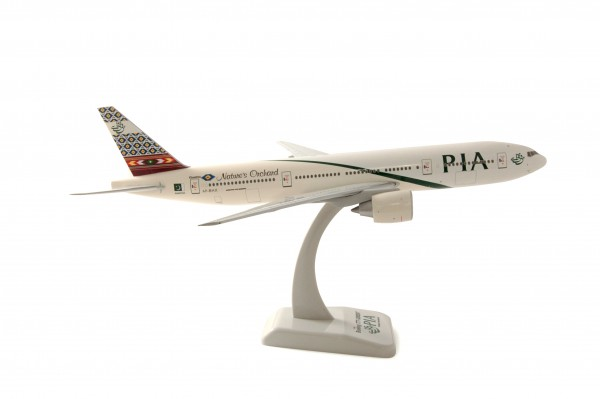 Boeing 777-200ER Pakistan International Airlines Scale 1:200