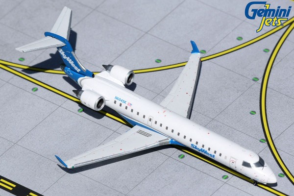 Bombardier CRJ700 SkyWest Airlines N604SK Scale 1/400