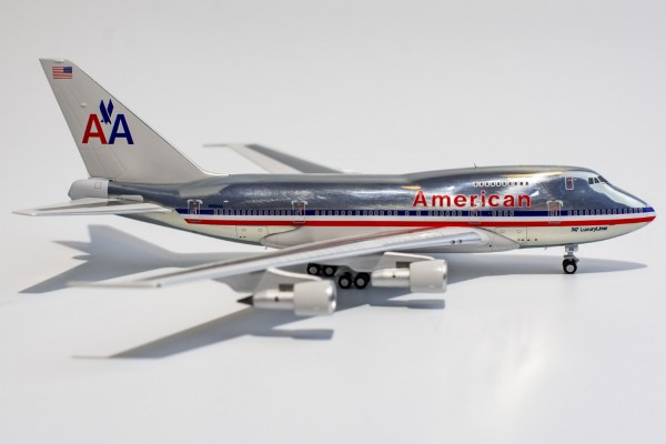 """Boeing 747SP American Airlines with """"747 LuxuryLiner"""" titles N601AA Scale 1/400"""