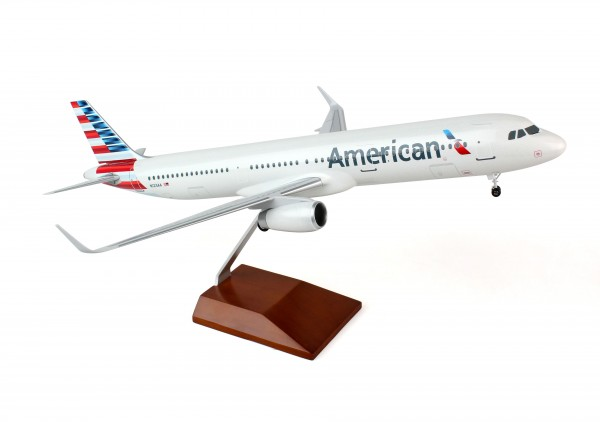 Airbus A321 American Airlines Scale 1/100 w/Gear