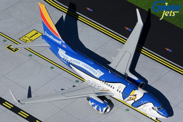 """Boeing 737-700 Southwest Airlines """"Louisiana One"""" N946WN Scale 1/200"""