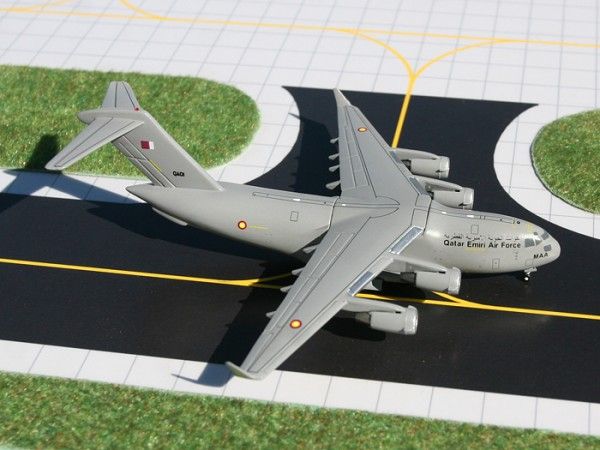 Boeing C-17 Globemaster III Qatar Emiri Air Force Scale 1/400